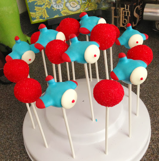 Airplane Cake Pops1